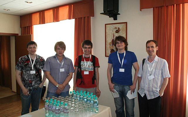 Веб-разработчики из Челябинска на Яндекс.Субботнике в Екатеринбурге 2 июля 2011 года